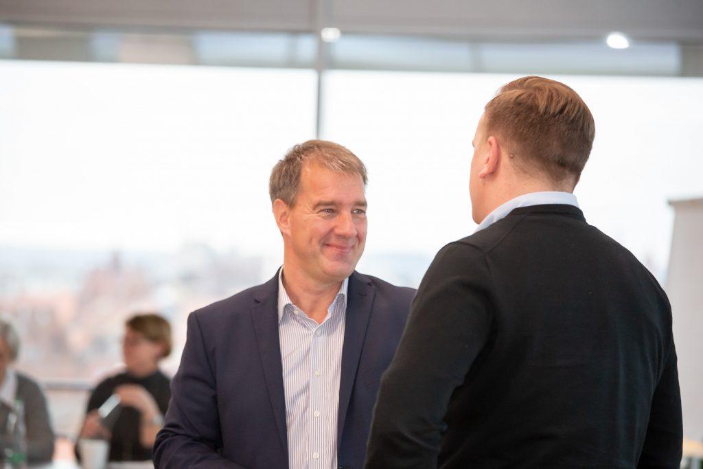 Hier sehen Sie unseren Geschäftsführer von IT2media Oliver Neuerbourg.