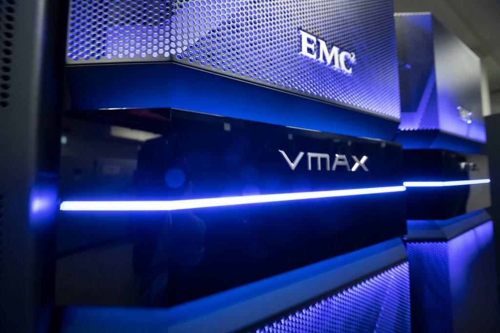 Unsere hochleistungsstarken Server sorgen für ideale Umsetzung der Kundenwünsche.